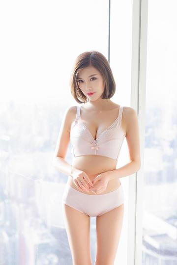 内衣模特美女高清摄影图