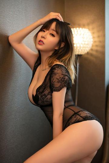 性感美女翘臀诱惑写真大图