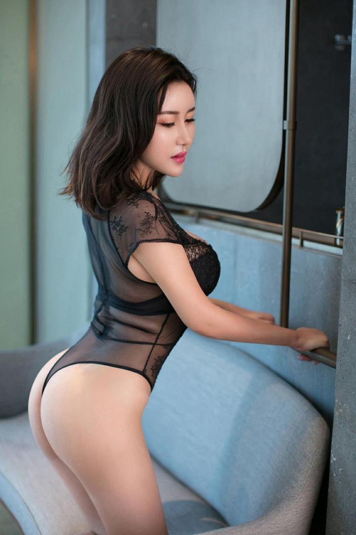 黑丝内衣性感美女诱惑写真