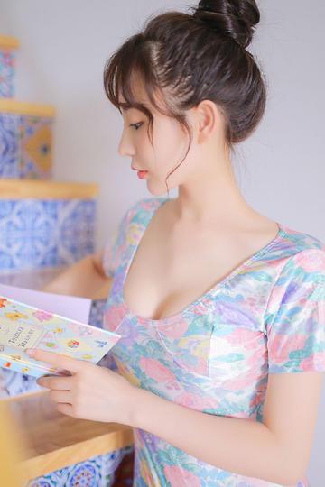 日本萝莉美女图片