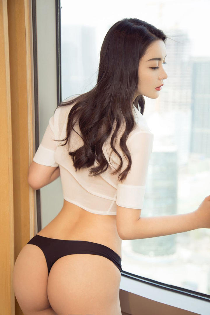 极品美女翘臀诱惑图片