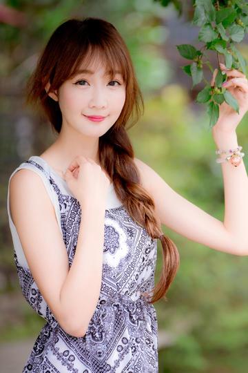 韩国气质美女模特写真图片