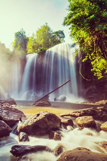 唯美浪漫瀑布风景图片
