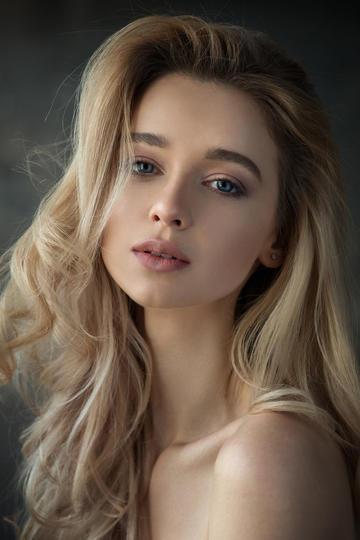 欧美金发气质美女肖像艺术写真图片高清