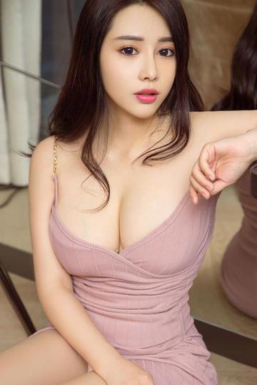 性感睡衣大胸美女高清图片