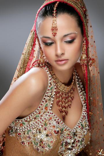 珠光宝气清纯气质印度美女图片