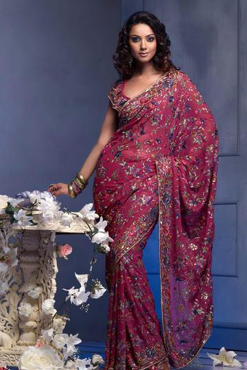 穿传统旗袍的印度美女模特