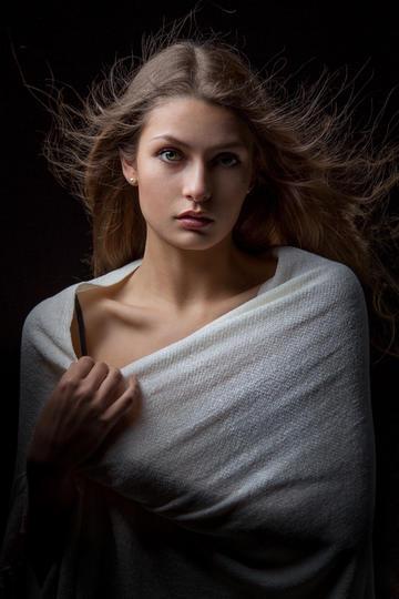 欧美清纯美女女生肖像艺术写真图片