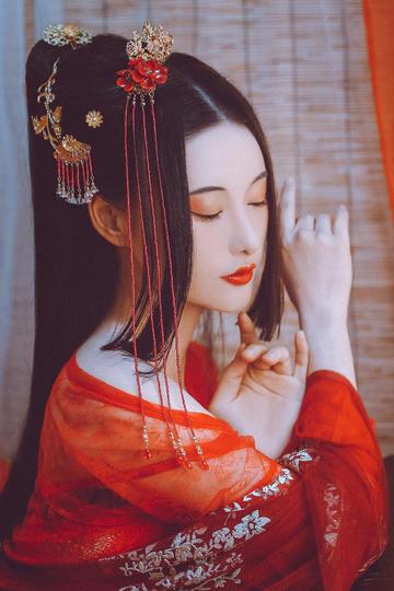 穿古代汉服艺术摄影的古装美女图片