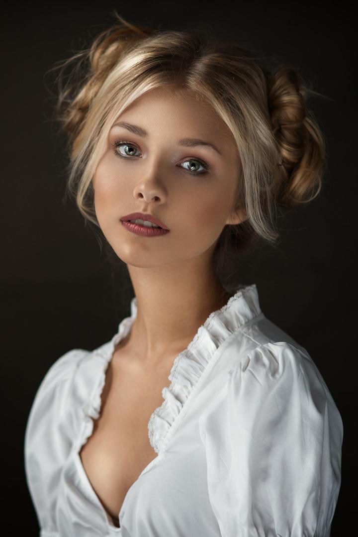 欧美清纯美女艺术写真图片集