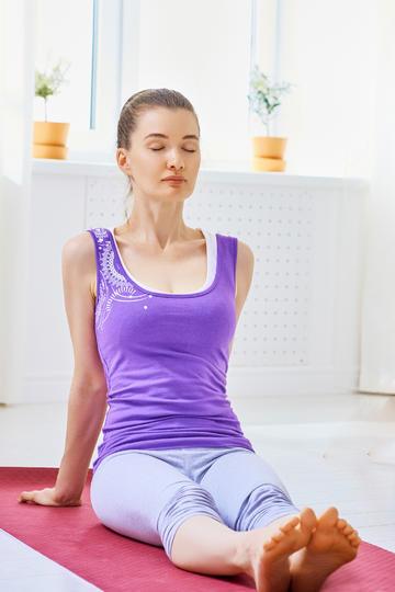 做瑜伽的女生人像摄影