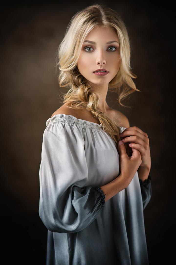 欧美气质美女人像摄影图片
