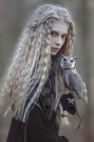唯美美女与猫头鹰人像摄影