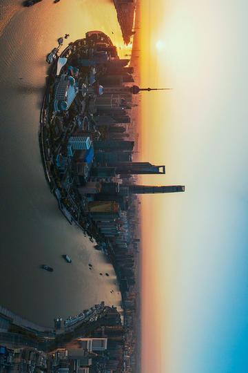 上海陆家嘴傍晚时分风景图片