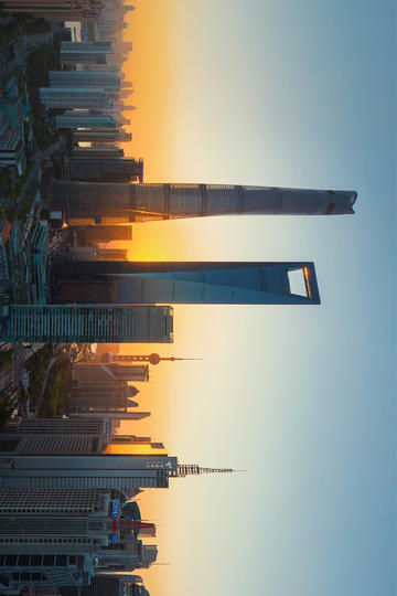 黄昏中的上海陆家嘴风景图片