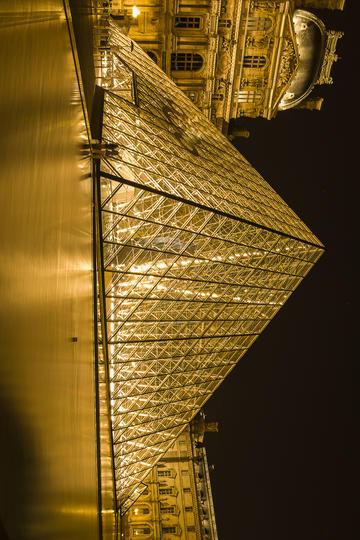 法国卢浮宫夜景旅游景观图片
