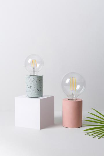 创意灯泡商业摄影图片