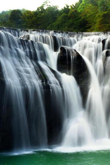高清唯美瀑布风景图片