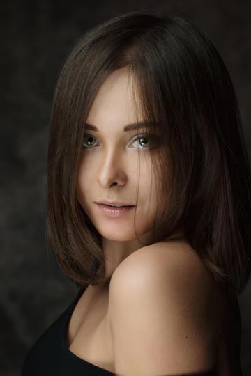 欧美短发美女艺术写真