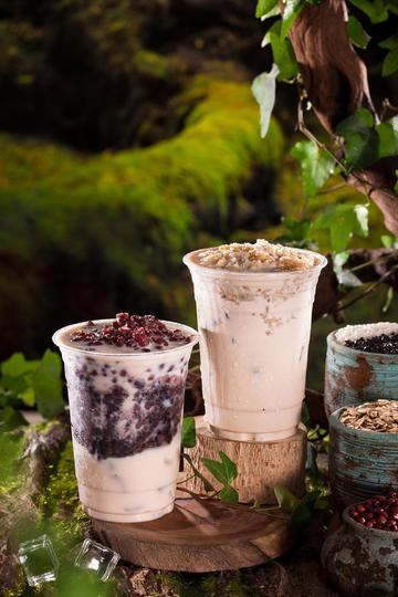 高清晰红豆燕麦奶茶摄影图片