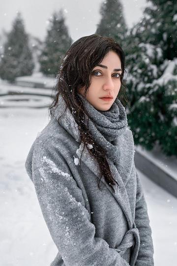 雪中的俄罗斯气质美女艺术写真