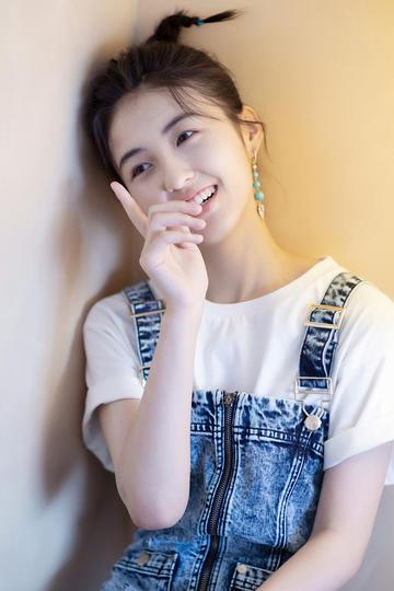 高清美女明星张子枫写真