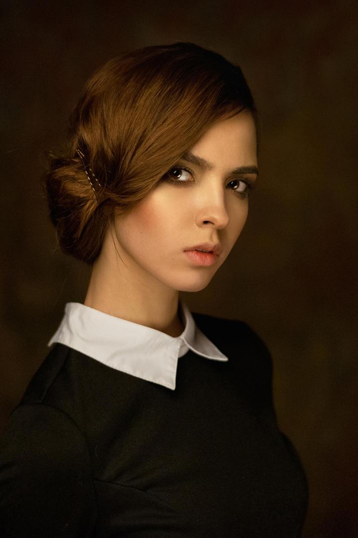 漂亮的欧美气质女生艺术写真