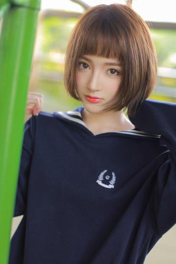 高清制服可爱美女图片