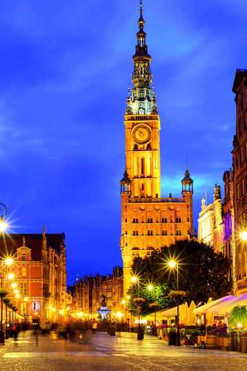 欧洲钟塔夜景图片