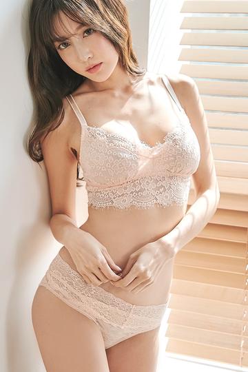 高清韩国性感内衣模特尹爱智写真