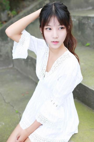高清极品清纯超短裙美女写真