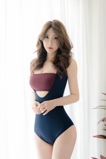 高清韩国美女模特柳京特写图片