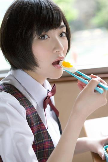 吃便当的日本女学生写真