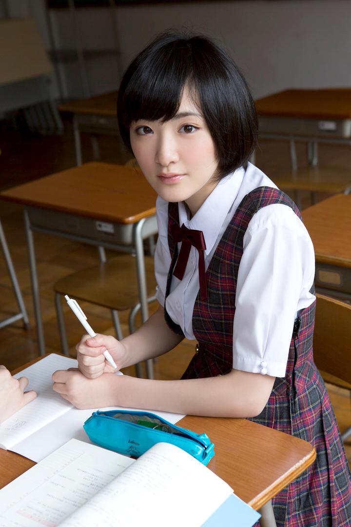 日本清纯女学生写真图片集