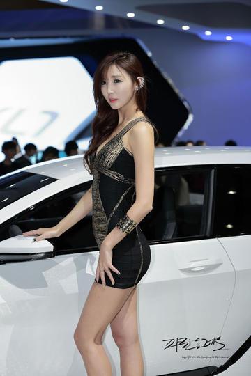 韩国美腿车模图片
