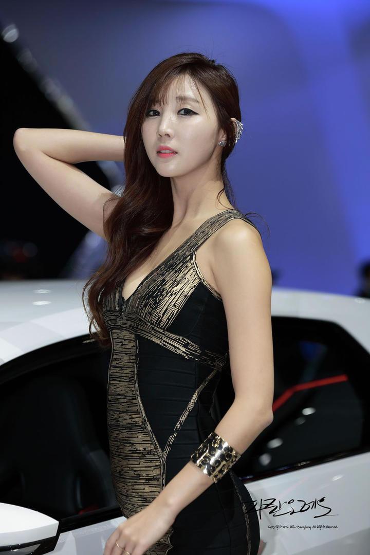 高清性感韩国车模美女图片