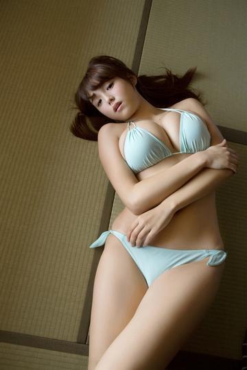性感日本大胸内衣美女图片