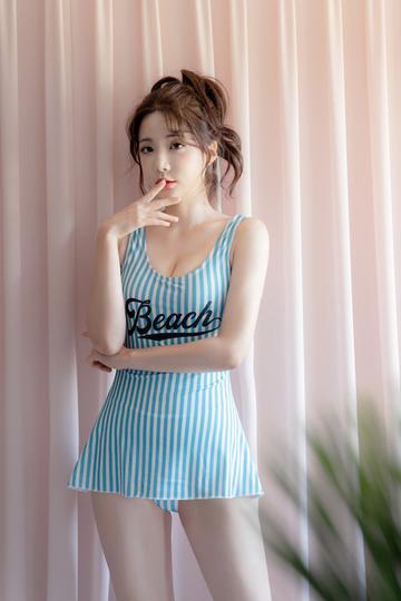 韩国美女模特柳京高清写真