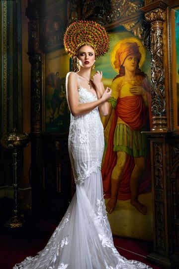 欧美长裙美女艺术写真图片