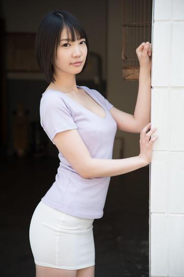 凹凸有致的日本性感美女图片