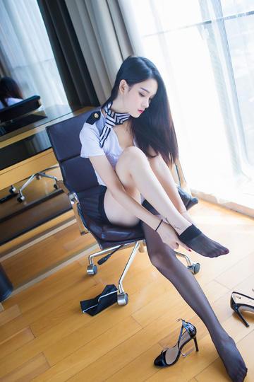 穿丝袜极品性感美腿美女写真