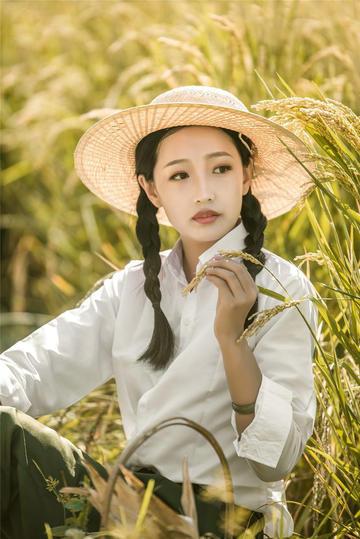 清纯美女女生艺术写真图片