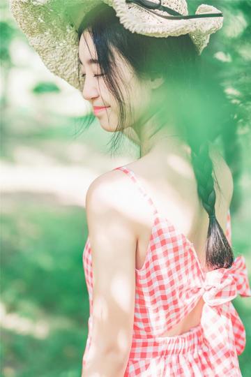 超高清户外清纯美女写真图片