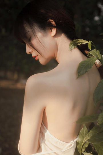 超高清阳光下的漂亮美女写真集